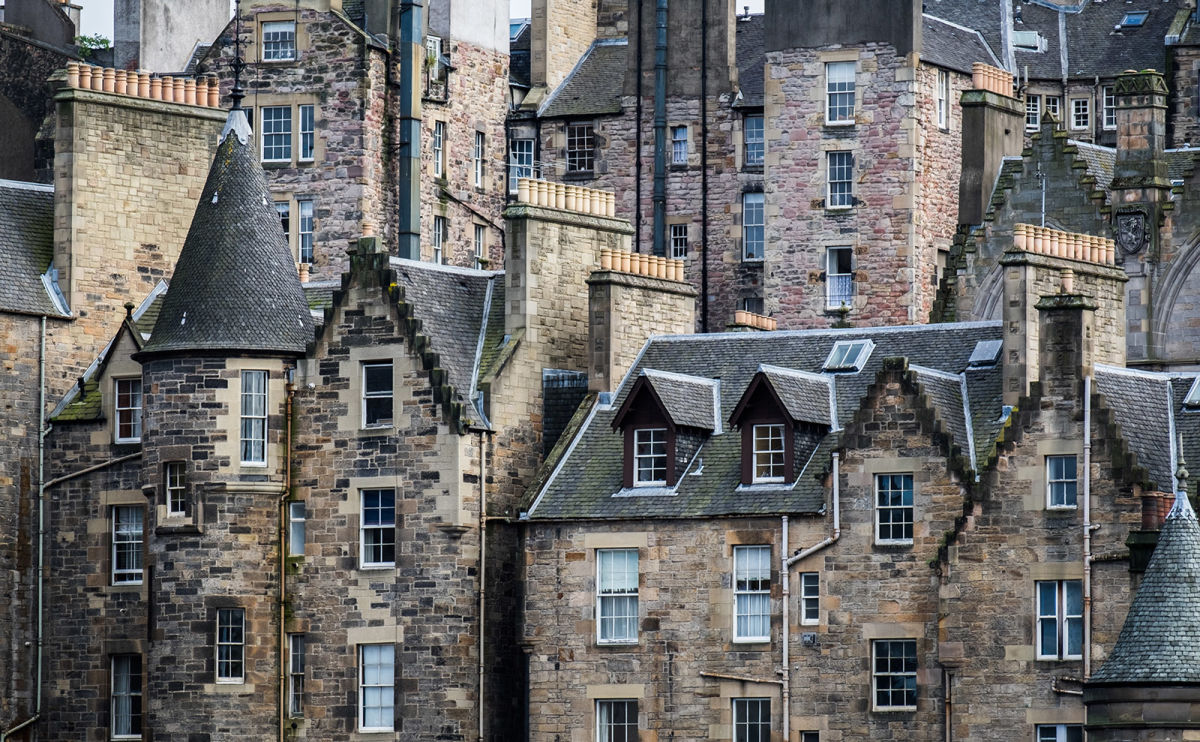 Take a Stroll Through the Spookier Side of Edinburgh in 'City of Ghosts'