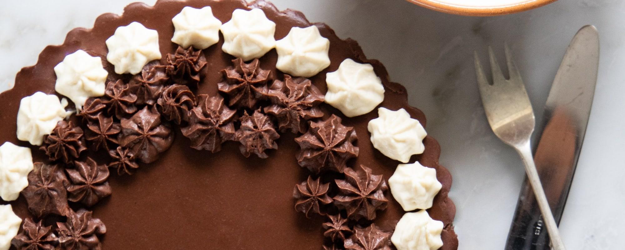 Vegansk chokolademoussekage