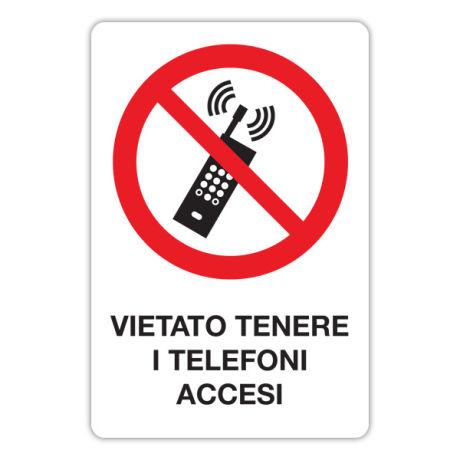 Vietato tenere i telefoni accesi