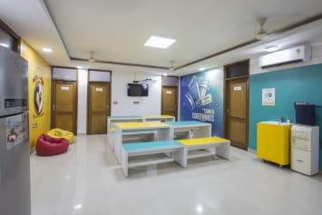 PG in Mukherjee Nagar Delhi