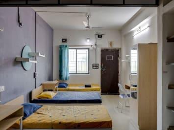 Single room PG in Vadodara