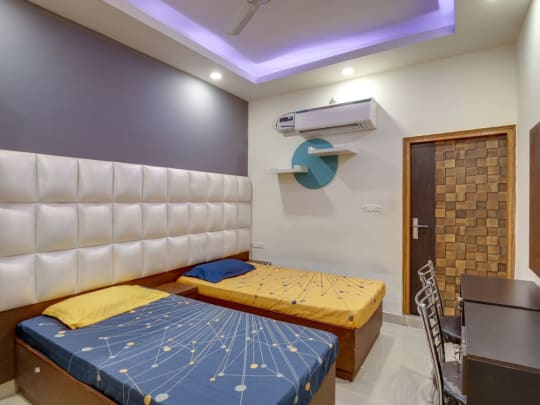Cardiff House PG in Laxmi Nagar Delhi