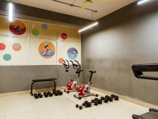 PG room in Hyderabad with gym and other amenities
