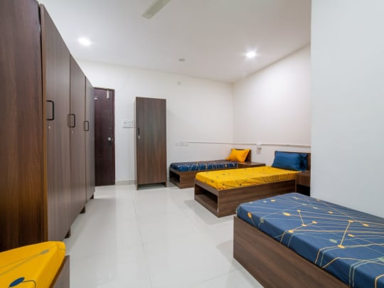 Single or shared room men's PG in Hyderabad
