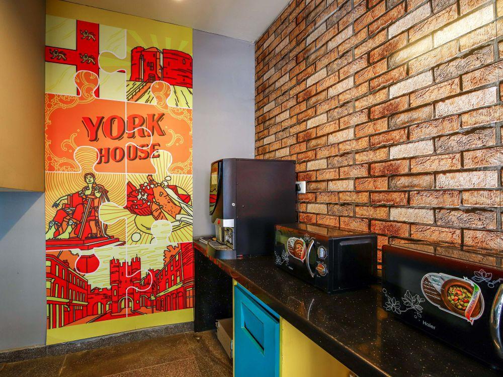 York House Stanza Living