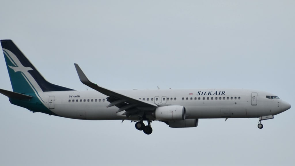 Boeing 737-8SA(WL)
