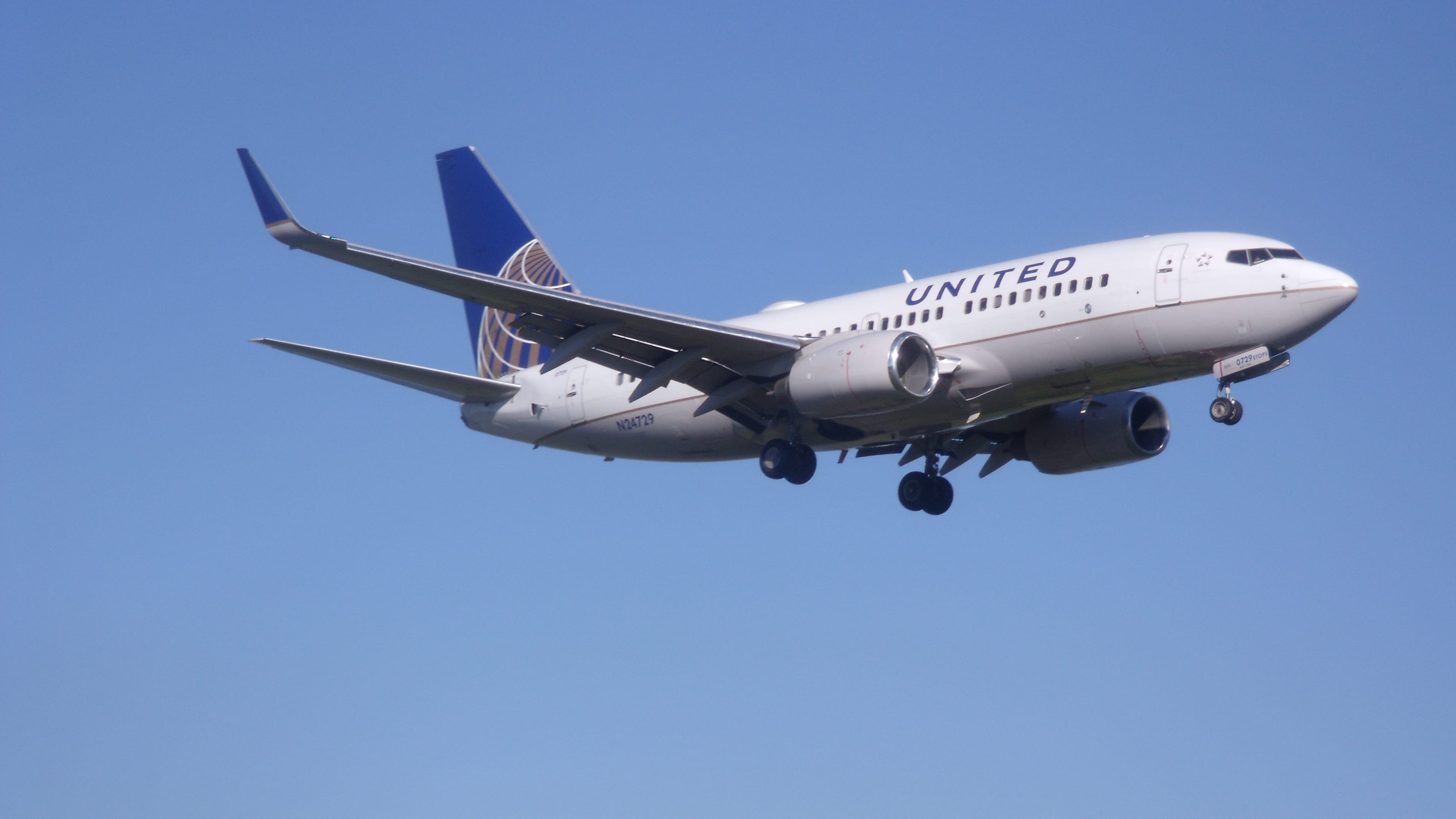Boeing 737-724(WL)