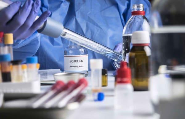 Бактерия, которая способна убить человечество (4 кг этого токсина может убить всех людей в мире, а 0,006 мг - слона)