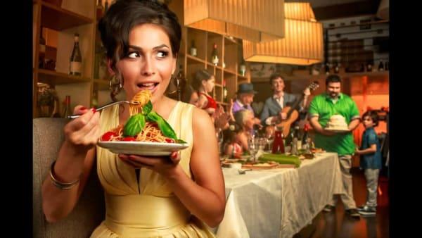 Как не поправляться на вредной еде (и почему французы и итальянцы едят пиццу и макароны и не толстеют)