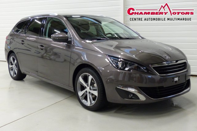 voiture peugeot 308 1 2 puretech 130ch s s bvm6 allure occasion essence 2015 10 km 21490. Black Bedroom Furniture Sets. Home Design Ideas