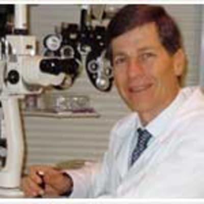 Marcos Carvalho da Cunha (Clinic and Cirurgical of eyes Dr. MCC)