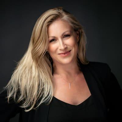 Rebecca Kirstein Resch ()