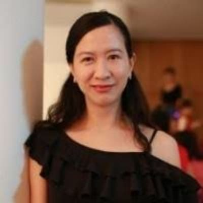 Julie Zhong ()