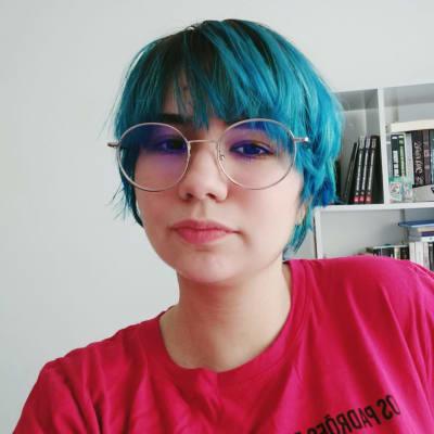 Caroline de Souza's avatar.'