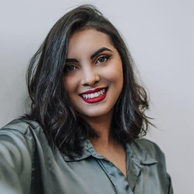 Julia Nascimento's avatar.'
