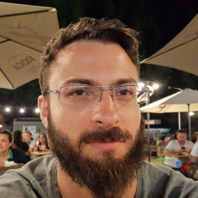 Cristian Mora (GM2DEV)
