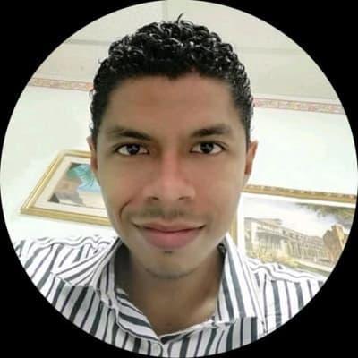 Julio César Ruiz Tejada (Geek Creative)