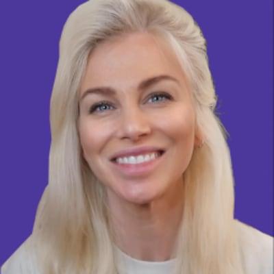 Ania Kubow ()