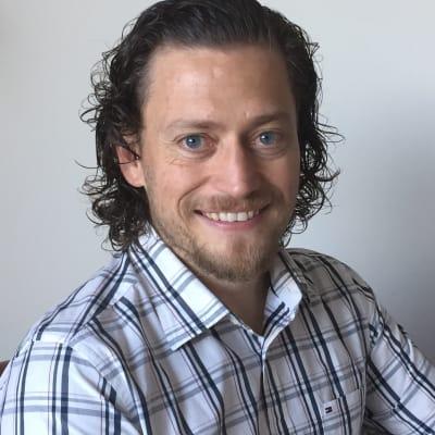 Colin Johnson (Aprika, a salesforce.com ISV Partner)