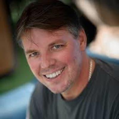 Steve Molis ()