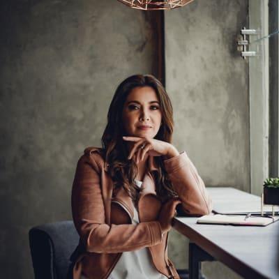 Paola Duran ()