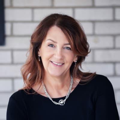 Brenda Schmidt (CEO)