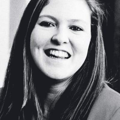 Gemma Milne ()