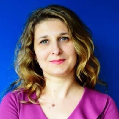 Laura Camelia Stefan (Accace)