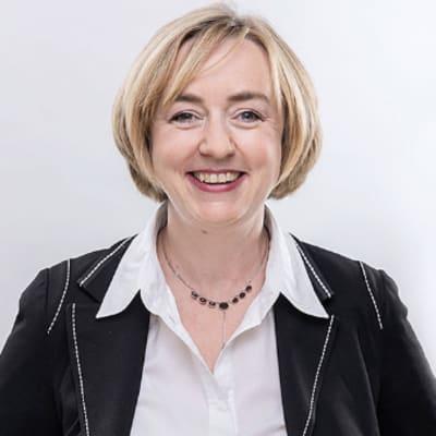 Claudia Prof. Dr. Bünte ()