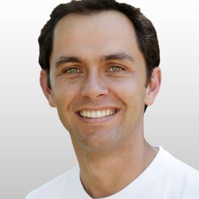 Alan Knott-Craig (Founder)