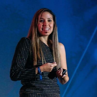 Verónica Ruiz del Vizo (Mashup Interactive Agency)