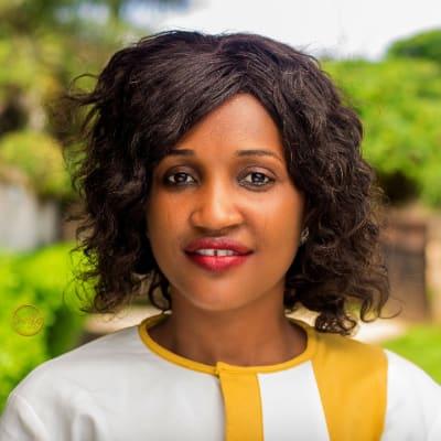 Rhoda Amakapabo (Rhodas Motivational Blog)