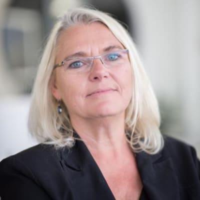 Andrea Böhmert (Knife Capital)