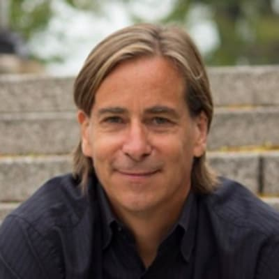 Brant Cooper (NYT Bestselling Author & Founder)