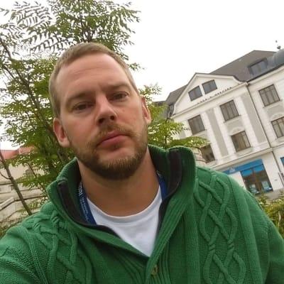 Filip Fischer (Charged Monkey)