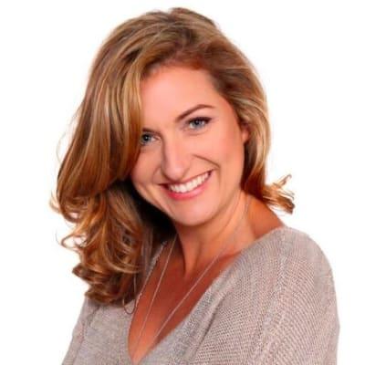 Jenene Crossan (nzgirl.co.nz and flossie.com.)