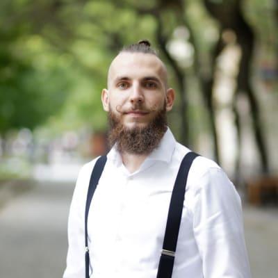 Eduard Shlepetskyy's avatar.'