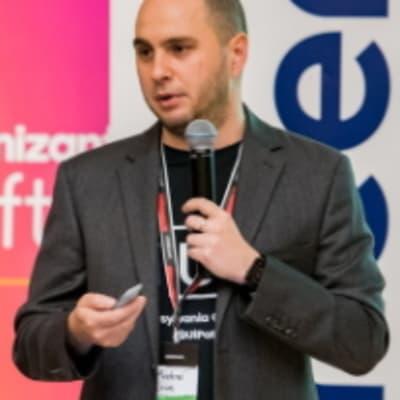 Andrei Oros (UiPath)