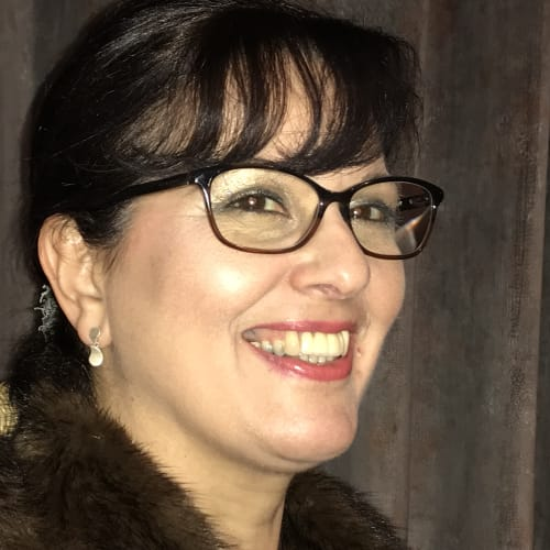 Dr Vivienne Adams