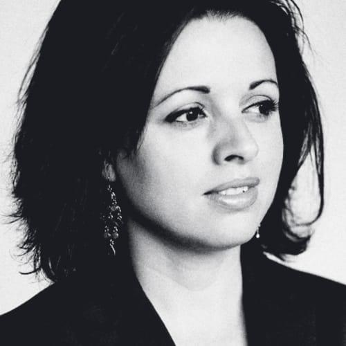 Dr. Zara Nanu