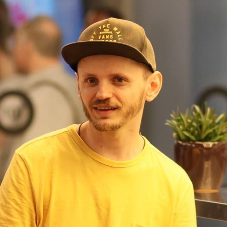 Alex Kolomiets