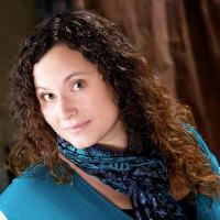 Jillian Winn (Signing Savvy)