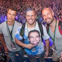 Siamak, Flo, David, und Matthew (Neonsplash)