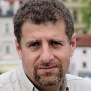 Zhenya Rozinskiy: Build Businesses, Not Startups