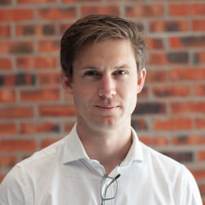 Creating Smart Factories Around the World with Frans Cronje (DataProphet)