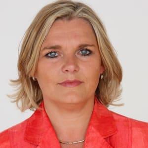 Andrea Boehmert (Knife Capital)