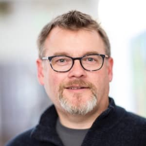 Startup Grind Hosts Dave Parker from 6 Month Startup