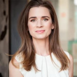 Fireside chat with Laurel Taylor (Crushing Student Debt as CEO of FutureFuel.io)