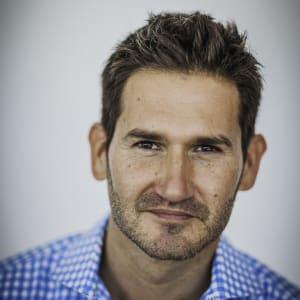 Shawn Riegsecker (Centro)