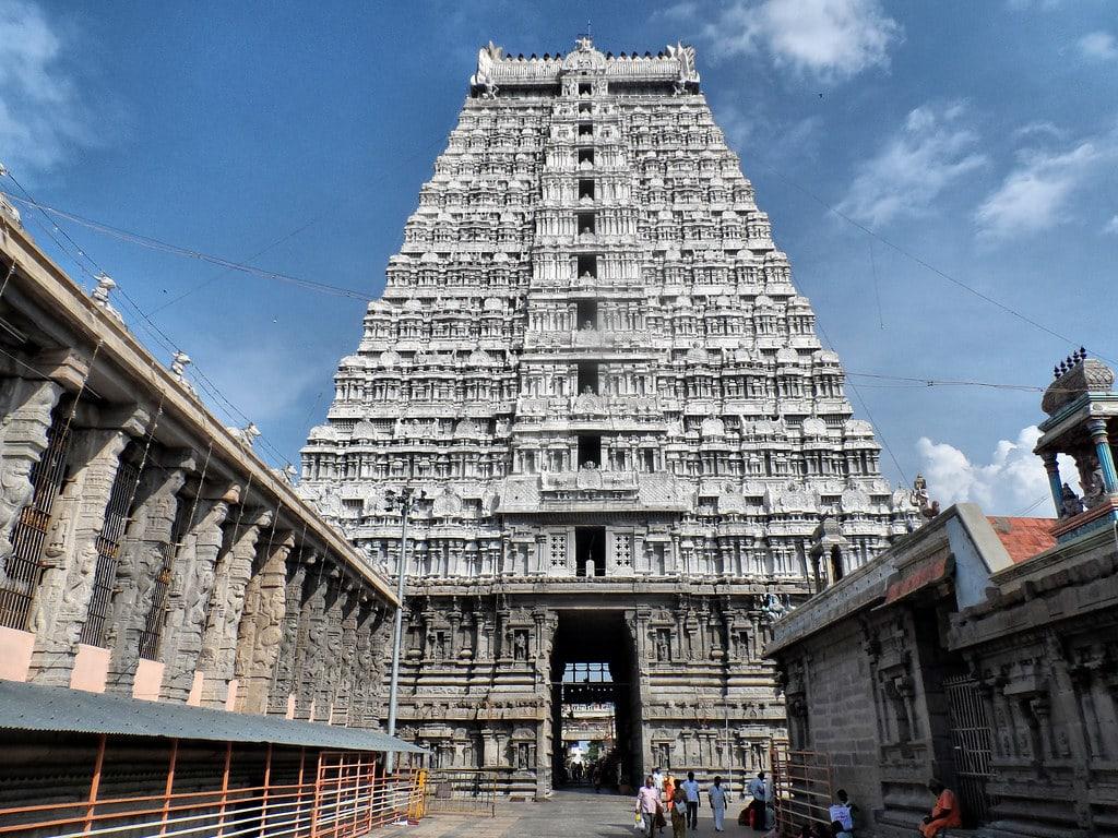 Hire a car and driver in Tiruvannamalai